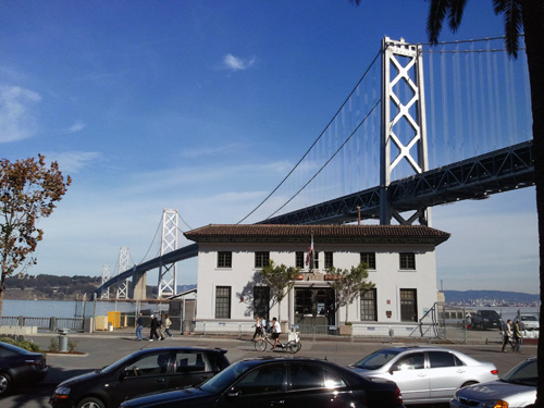 Oaklandbridge von San Francisco aus